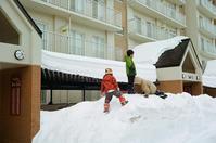 雪山に立つ子供たち - 照片画廊
