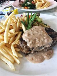 ステーキに挑戦@Huber's Butchery & Bistro - 日日是好日 in Singapore