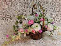 今日のお稽古花 2月アレンジメント - 花とaromaとうさぎとかのん