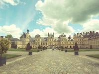 お城の正面 フォンテーヌブロー - la carte de voyage
