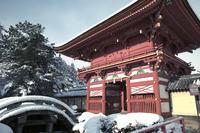雪の南宮大社 -岐阜県垂井町- - びっと飴