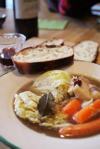 鹿骨や猪骨スープ と 2日目のポトフ - グルグルつばめ食堂