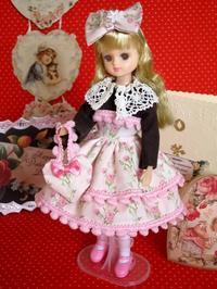 リカちゃんのバレンタイン・デイのドレス -  Der Liebling ~蚤の市フリークの雑貨手帖2冊目~