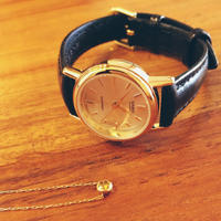 ゴールドの腕時計 - 8life