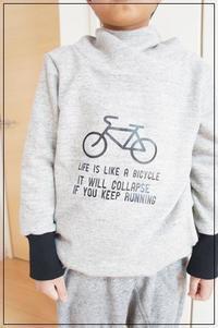 男の子用かっこいいタートルフードの着画と寸法 - ハンドメイドで親子お揃い服 omusubi-five(オムスビファイブ)