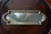 シルバープレートレリーフ縁ロング小トレイ156 sold out! - スペイン・バルセロナ・アンティーク gyu's shop