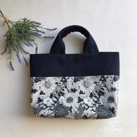 リバティ帆布のふっくらトート  - Flora 大人服とナチュラル雑貨