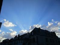 春の雲 - フランス Bons vivants idees d'aujourd'hui