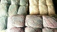 色選びのあれこれ - 空色テーブル  編み物レッスン&編み物カフェ