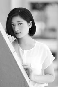 椎名紗彩ちゃん28 - モノクロポートレート写真館