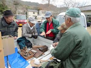 クヌギ谷の伐採木の片付け・・・孝子の森 - 活き生き in 岬町