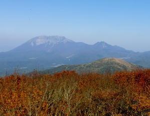 No460 岡山・紅葉の金ケ谷山から朝鍋鷲ケ山へ - みちくさおじさん山を歩く