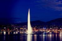 Genevaのhotelで/夜なべ仕事 - Changun-kun