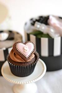 バレンタインカップケーキ - Something Sweet