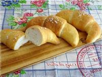 カリッとふわっと☆ザルツシュタンゲン(塩パン) - パンのちケーキ時々わんこ