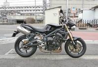 トライアンフ ストリートトリプル675の仕様変更からのDUKE200でバッタバタ(笑) - バイクパーツ買取・販売&バイクバッテリーのフロントロウ!