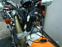 収まる気がしない・・・(汗) - モタードに強い!大阪の愉しいバイクショップGLIDERIDEのブログ