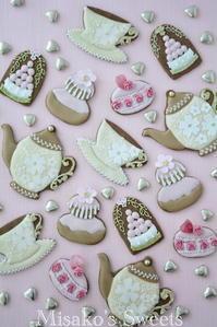 2月 スイーツデコレーション教室 初級 レッスン風景 - Misako's Sweets Blog アイシングクッキー 教室 シュガークラフト教室 フランス菓子教室 お菓子 教室