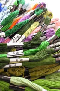 キットのお仕事用の刺繍糸~コスモ~ - ビーズ・フェルト刺繍作家PieniSieniのブログ