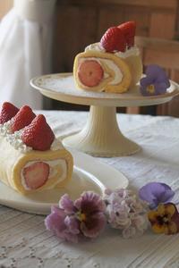 ストロベリー*ロールケーキ - 暮らしを紡ぐ