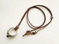 長さ調整タイプの革紐ネックレス No.2 - 手作りのある暮らし アクセサリーパーツPron