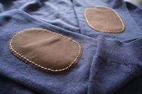 セーターを肘あてパッチで繕いまして - YUKKESCRAP
