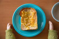 トーストにはバターとジャムで♪ - チャーリーの部屋