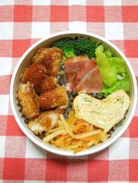 カジキフライとチキンカツ★(^^♪・・・・・さやちゃん弁当 - 日だまりカフェ