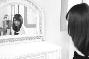 渡邉美咲ちゃん6 - モノクロポートレート写真館
