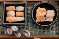 にゃんこ劇場「寿司!食いね〜」 - ゆきなそう  猫とガーデニングの日記