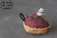 ふくろうのくるみピンクッション - Wool 120%