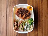 2/24(金)コロッケドーンとミネストローネ弁当 - おひとりさまの食卓plus