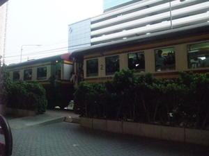 バンコクにて、鉄道観察 - プラチンブリを楽しみタイ