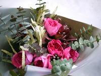 退職される男性への花束。「ロックな感じ、かっこいい感じ」。 - 札幌 花屋 meLL flowers
