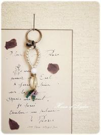 小さな花のホルダー - House of Lydia・・・しずかな時間