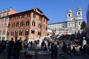 スペイン広場の激安立ち食いパスタ♪ - ローマより愛をこめて