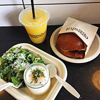 LAに来たらMust Eat!! EGGSLUT @Grand Central Market - MG Diary