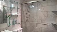 自分でデザインした客用バスルーム - コテージ便り