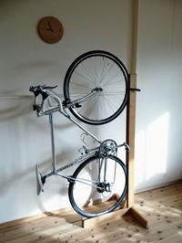 木製サイクルスタンド - woodworks 季の木  日々を愉しむ無垢の家具と小物