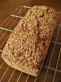 くるみとレーズンのライ麦パン - slow life,bread life