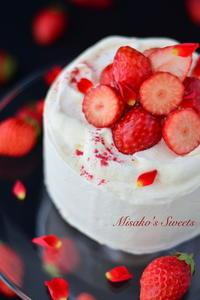 3月 いちごのショートケーキレッスンのお知らせ - Misako's Sweets Blog アイシングクッキー 教室 シュガークラフト教室 フランス菓子教室 お菓子 教室