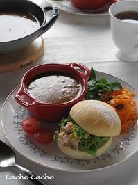 菜の花とツナのサンドイッチと、スープカレーのワンプレート♪ - Cache-Cache+