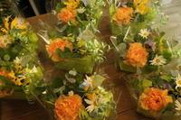 小さいアレンジ - 北赤羽花屋ソレイユの日々の花