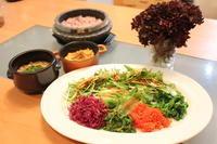 春野菜のビビンバ、肉味噌と卵味噌がミソ - キムチ屋修行の道