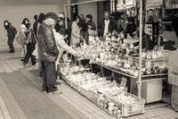 2017年3月5日 陶器を買う人々 - Silver Oblivion