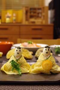 雛祭り〜ロールケーキと雛寿司 - 毎日がHappy