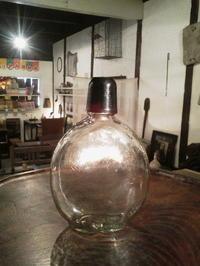ガラスの水筒 - あいろく
