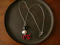 煙水晶×珊瑚 ネックレス - 石と銀の装身具