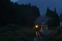 夜に光る - 磐越西線 - - ねこの撮った汽車