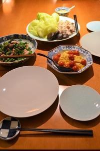 キャベツと豚肉と椎茸の蒸し煮/イカとスティックセニョールの薬味炒め/卵とミニトマト炒め - まほろば日記